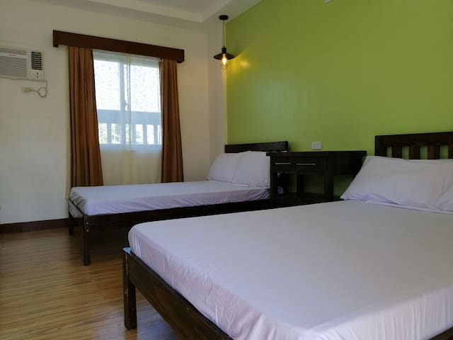 Room 1A - Casa Pepito Beach Resort - Morong Bataan
