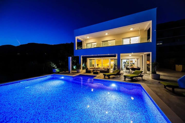 Villa Reflection with Pool