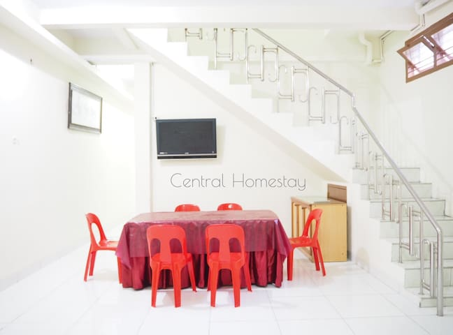 Central Homestay for MEN (Daily and Monthly Rent)