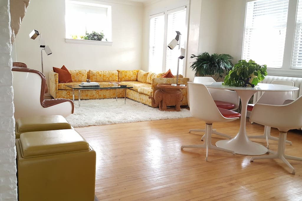 Spacious 3 Bedroom Designer Decor Uptown Downtown Apartments For Rent In Minneapolis