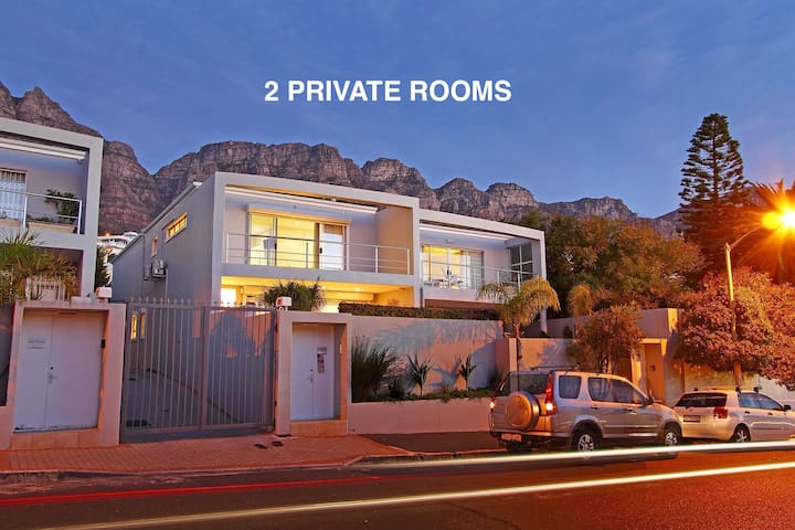 Camps Bay Villa 100m From Beach (Private Rooms)