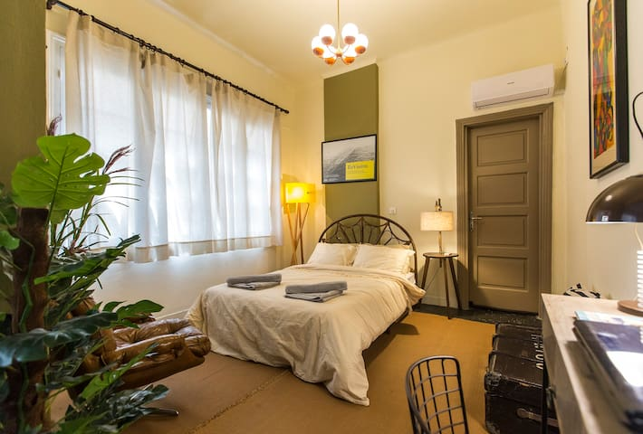 Downtown-Monastiraki-Stylish Apartment!