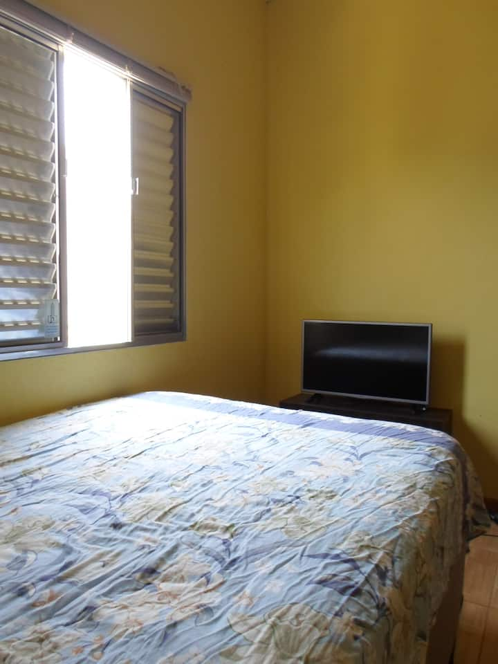 1 quarto - casa em Joanópolis-SP