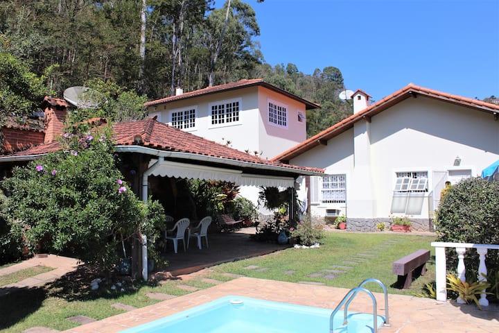 Casa em Itaipava com lindo visual