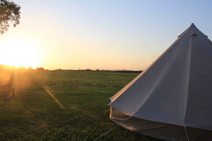 Coast Farm Glamping - northern and mountain views