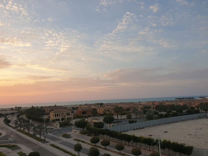 Luxurious and spacious 1 bd+Sea View in Saadiyat