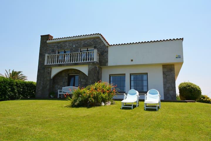 Casa Charo con espectaculares vistas a la mar