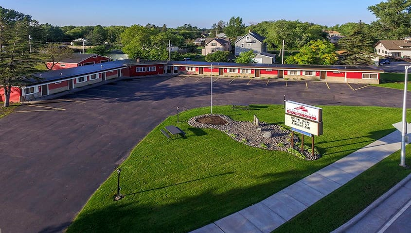 Superior Bay Boutique Motel Unit #7