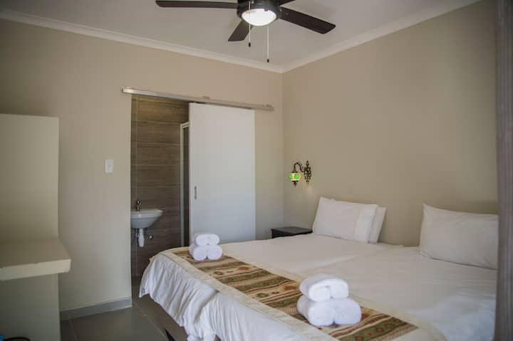 Tsumeb Backpackers Room #6
