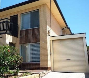 Beachside Townhouse F/F - Semaphore Park