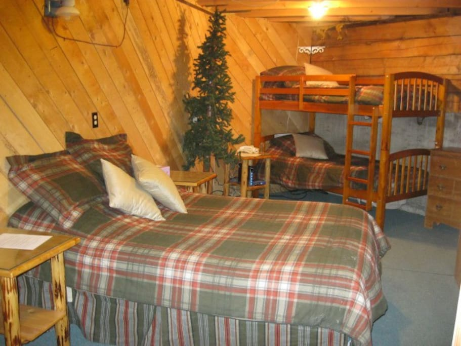 1st Floor Family Room 1 Double and 1 Bunk Bed, Private Room