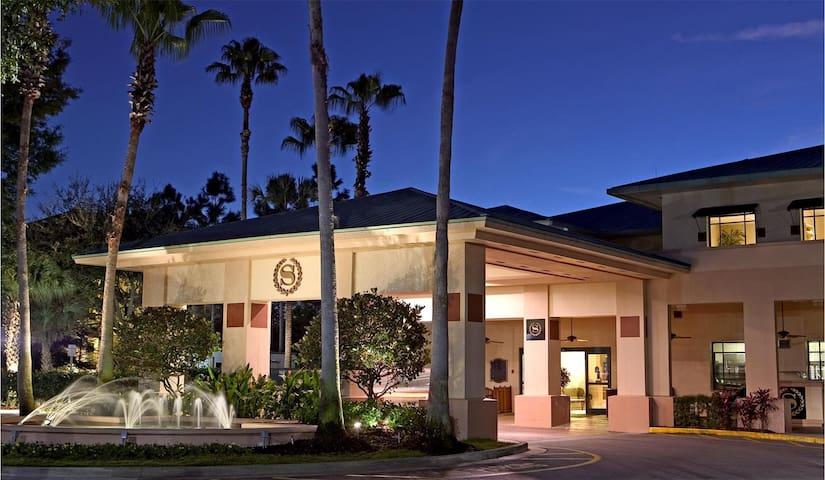 Sheraton Vistana Resort 2BR Suite, SUNDAY Check-In