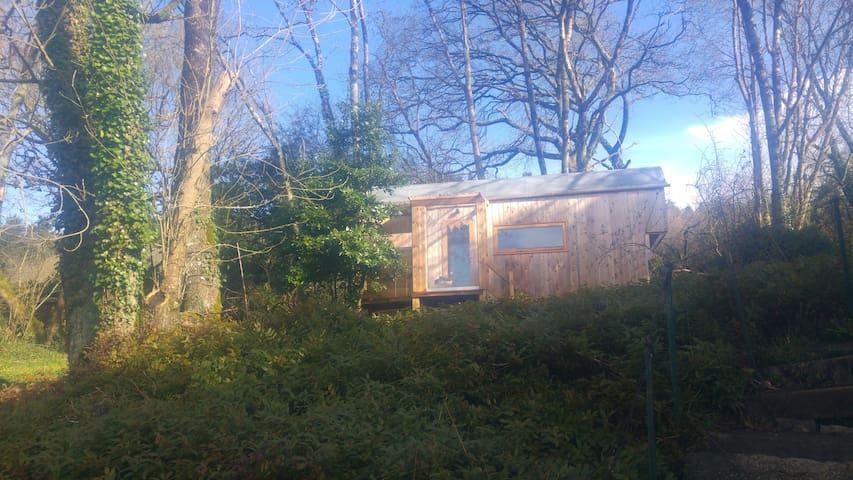 Tiny house au bord de l'eau dans un cadre nature