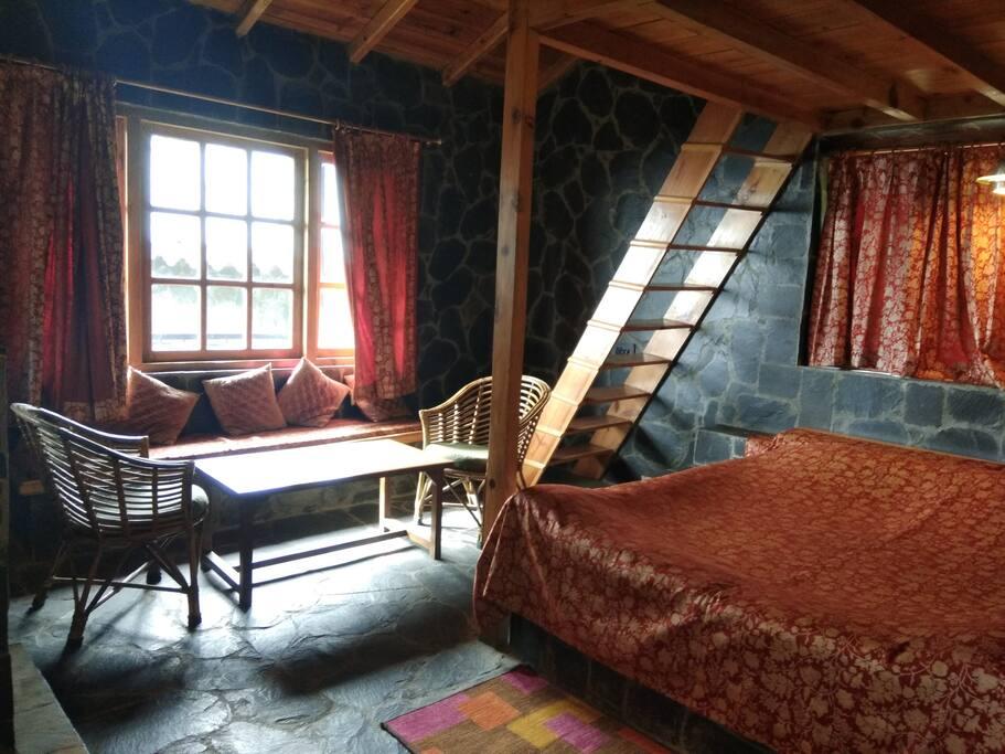 Primia The Attic Room