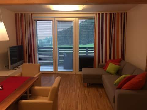 Apartament pe pârtia de schi, 1 km până la terenul de golf