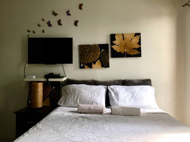 Studio at the Heart of Makati Nightlife 1002