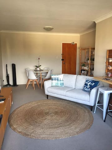 Randwick bright and sunny apartment - Randwick - Apartment