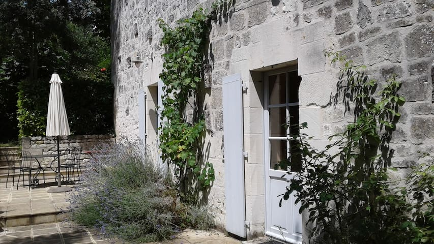 Cozy limestone house with pool - Saint-Germain-sur-Vienne - Haus