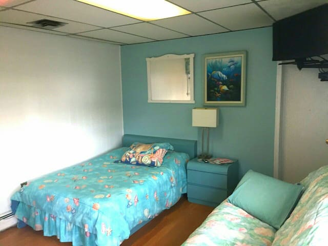 Great location bright&beachy 6guest 2 rooms