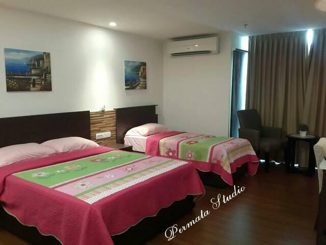 Permata studio apartment (Family room)