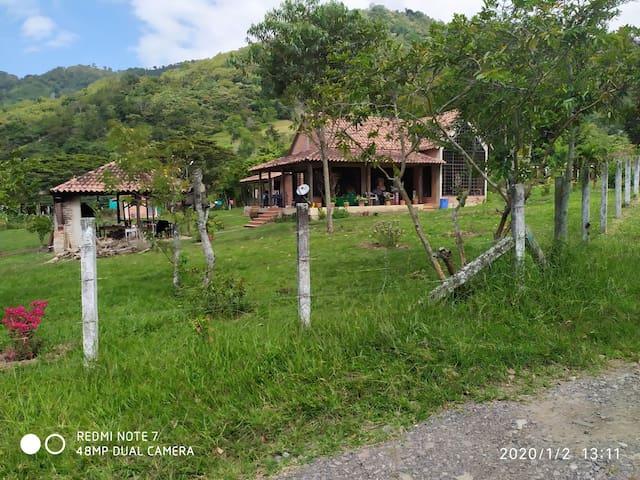 Acogedora cabaña campestre en Chinácota