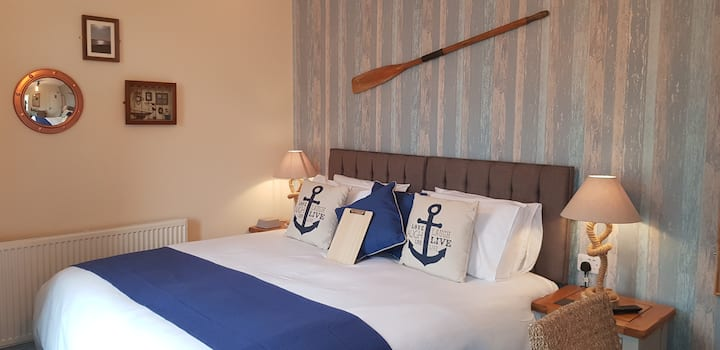 Treardurr Bay Super King/Twin Room At The Ring Pub