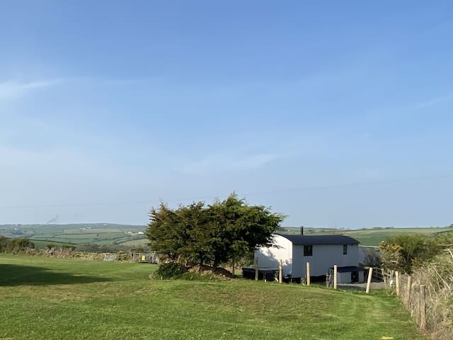 Shepherds Hut with flexible cancellation
