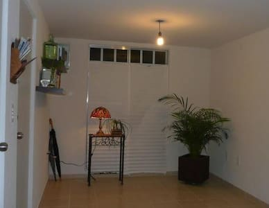 Room type: Entire home/apt Bed type: Real Bed Property type: House Accommodates: 6 Bedrooms: 3 Bathrooms: 1.5