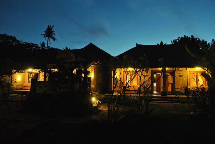 SPECIAL PRICE Quite Homestay Walk to Beach