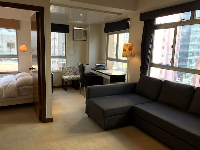 Fully serviced large 1b apartment (3 beds) in Soho