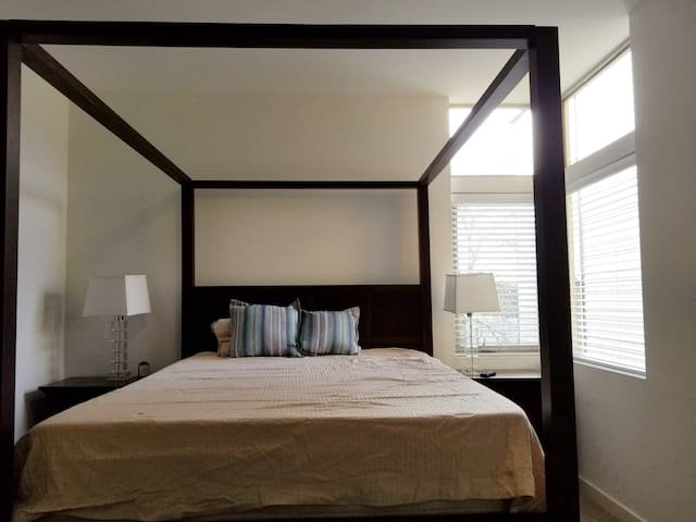 Mordern, new, private room, Capitol hill