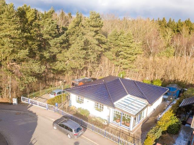 Geräumiges Ferienhaus, Gartenteich in Bergen/Rügen