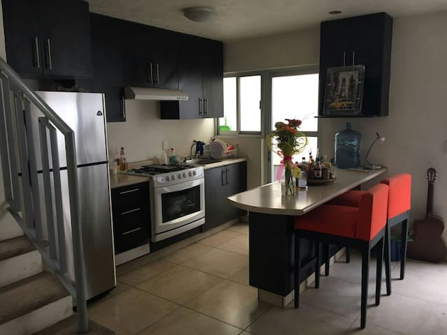 Room in Zapopan, near ITESM and Andares