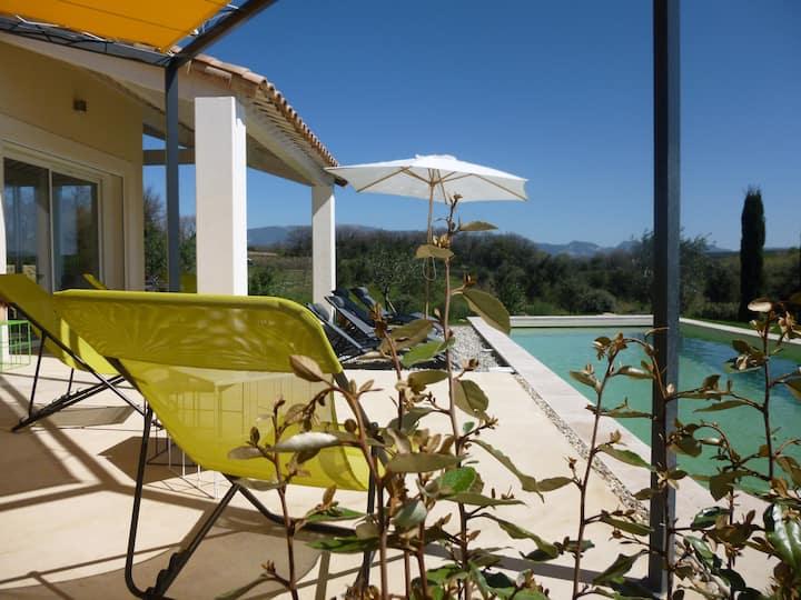 En Provence maison plain pied 6 pers-vue-piscine