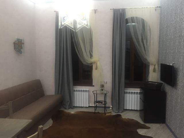 Дизайнерская квартира в центре Цветника