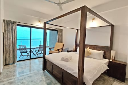 Classic Two Bedroom Sea View Space in Dona Paula