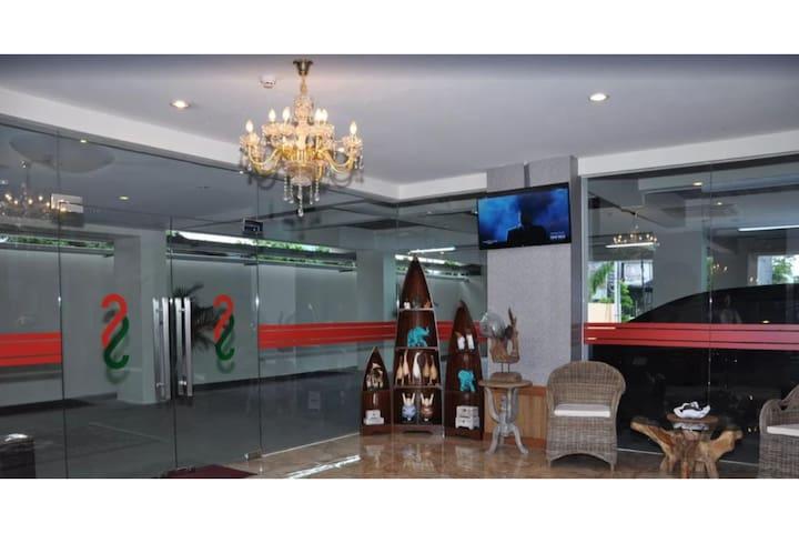 Shiny Room Superior At Gejayan