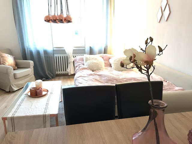 Cozy room in the Heart of DUS near Central station