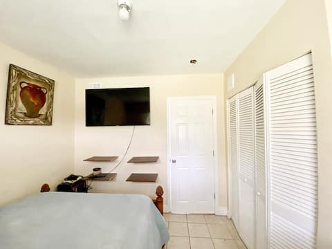Convenient Central Apartment in Downtown Miami
