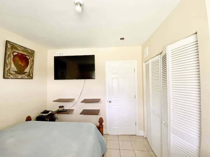 Convenient Central Apartment in Downtown Miami