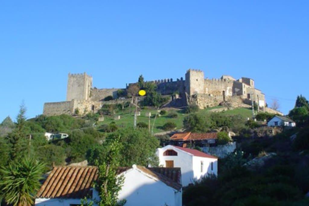 Localización de la casa (amarillo) en fachada sur del Castillo