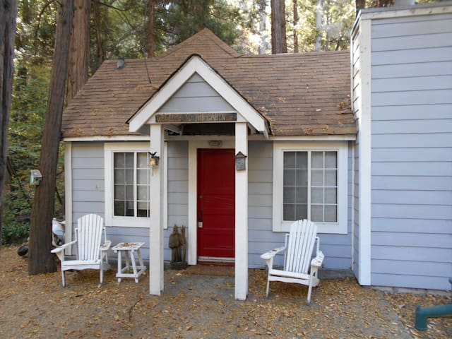 Ladybug Cottage - Lake Arrowhead - Cabin