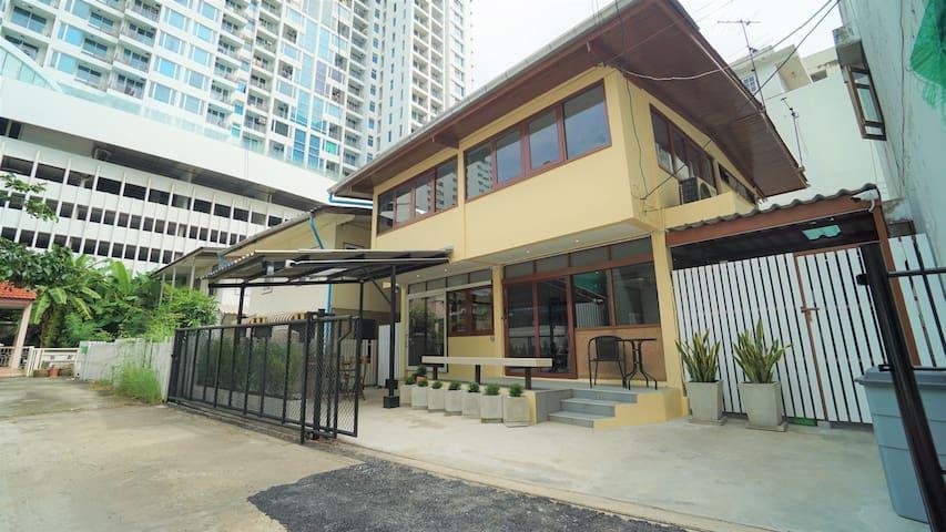 3 BR Loft House ★ Siam/Pratunam ★ 3 mins to BTS