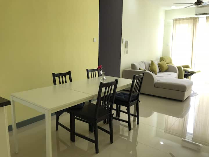 Condo-central, clean Wi-Fi high quality furnishing