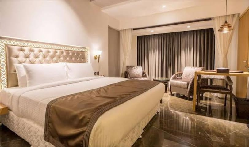 Deluxe Luxury Room-Boutique Hotel  near Airport