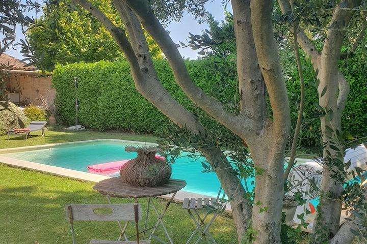 Maison tte équipée, jardinet, piscine 4 pers