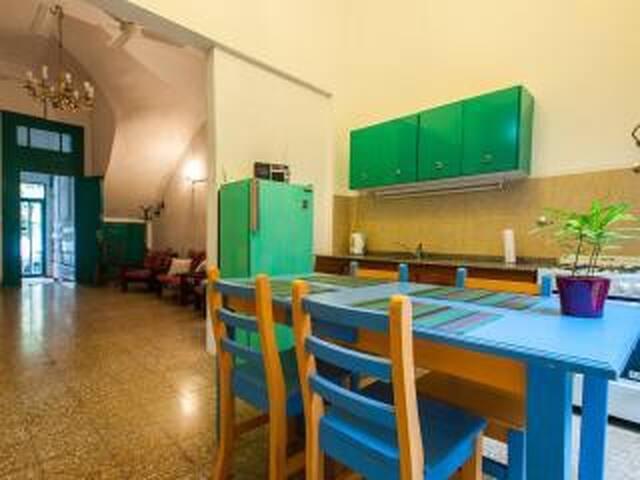 Amplia habitación en San Telmo