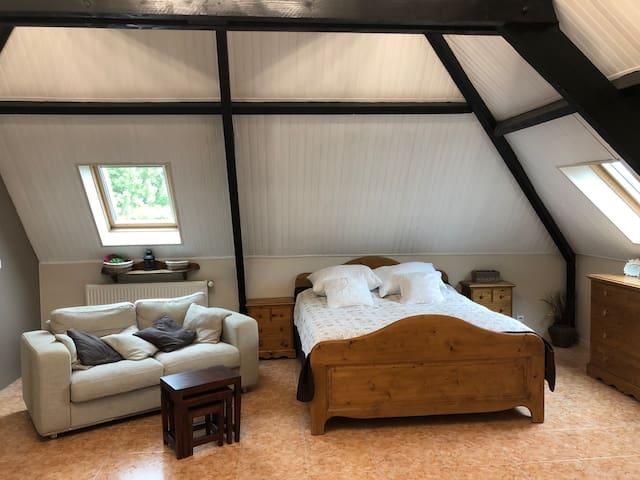 Chambre romantique dans maison Le Seize