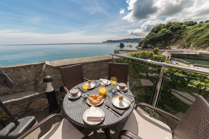 Charlestown Cornwall Fab Sea view 2 bedroom