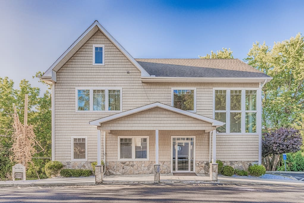 Central Danbury Furnished Apartment 2 2 Serviced Apartments For Rent In Danbury Connecticut